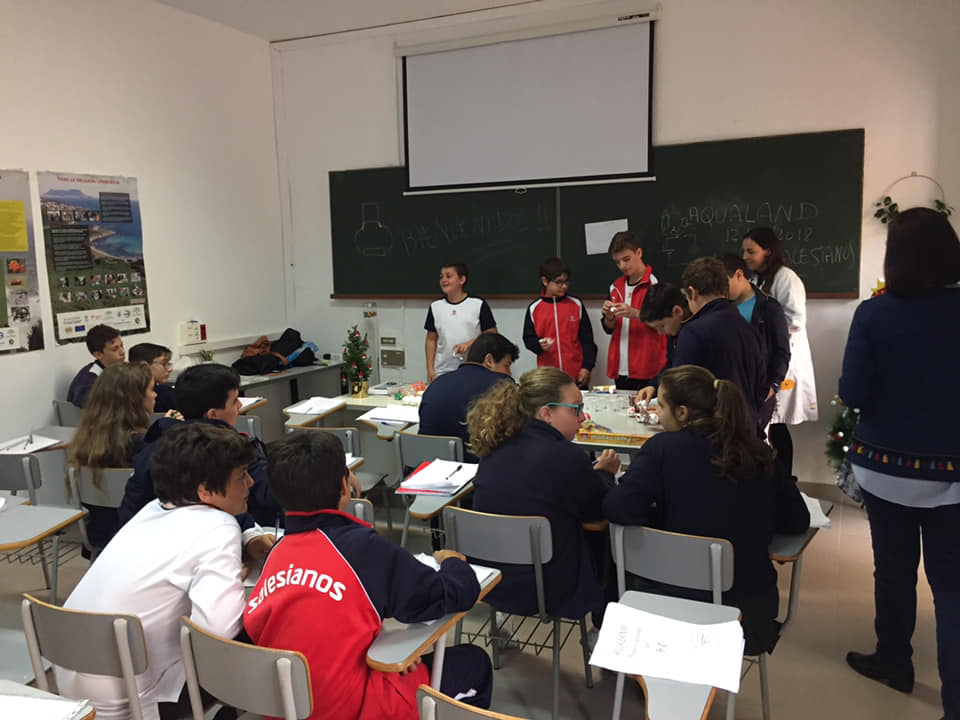 Taller del colegio María Auxiliadora en Espacio Diverciencia